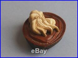19th century antique boxwood japanese netsuke octopus and abalone Meiji period