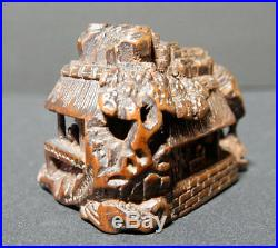 Japanese Carved Netsuke House Edo Meiji Period Wood Y169